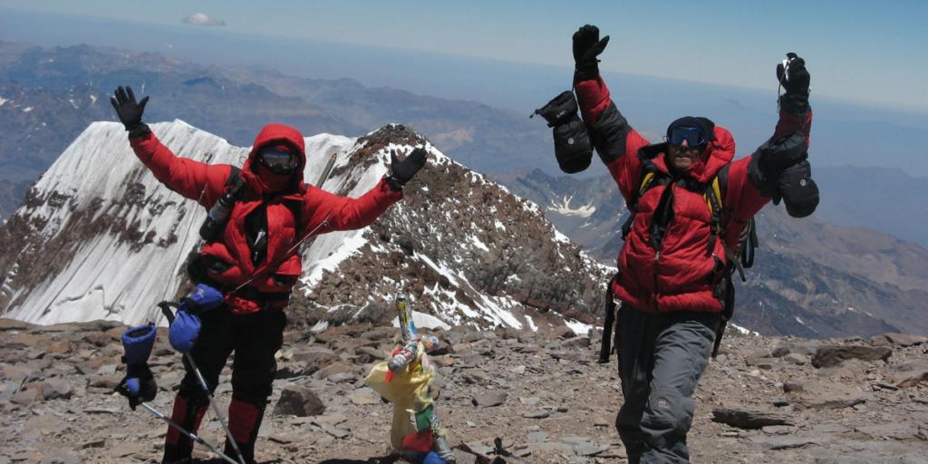 Festejos en la cumbre del Aconcagua